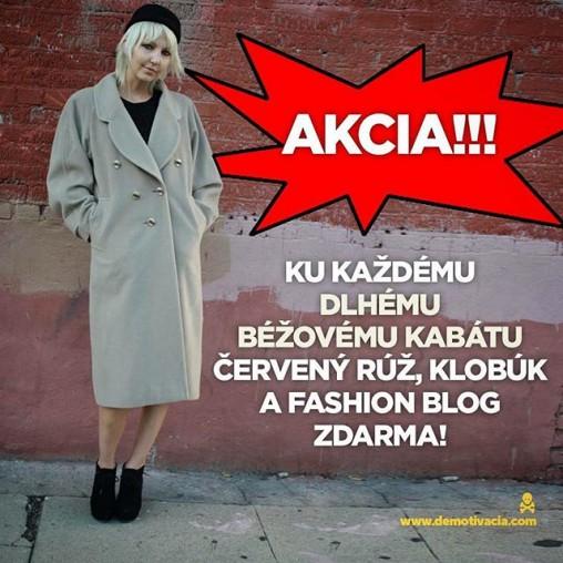 Akcia! Ku každému dlhému béžovému kabátu - červený rúž, klobúk a fashion blog zdarma!!!