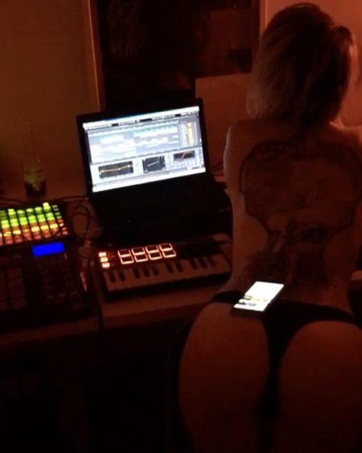 video si pozri na instagram.com/demotivacia